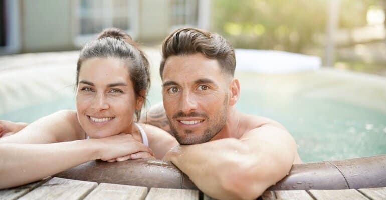 Vakantiehuis met jacuzzi aan zee | Goedkope en luxe huisjes