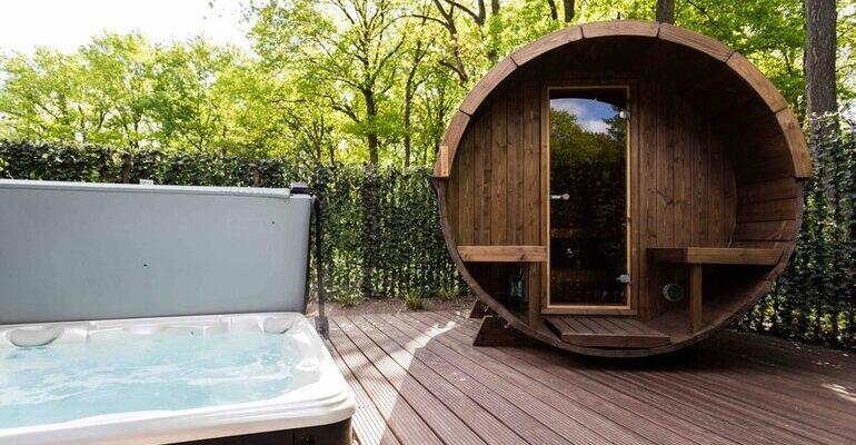 Huisje met sauna en jacuzzi – 10 luxe en goedkope huisjes